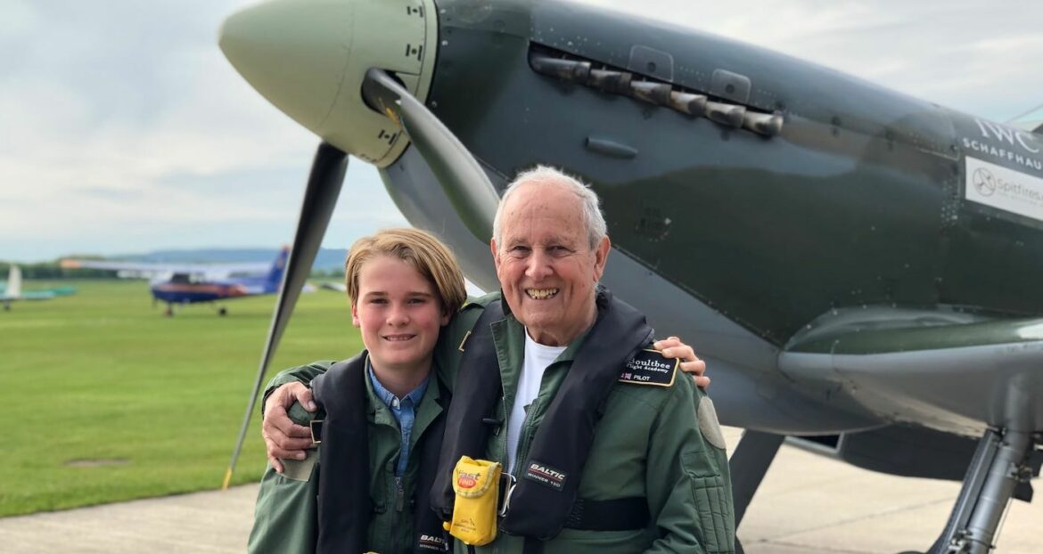 12-year-old Gives Grandpa His Dream of Flying in Spitfire By Sending Heartfelt Notes to Airfields
